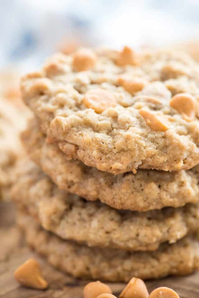 close up of stack of oatmeal scotchies
