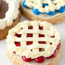 cookie decorated to look like cherry pie