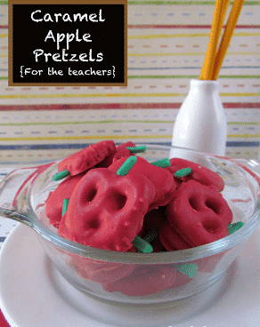 Caramel apple pretzels with title