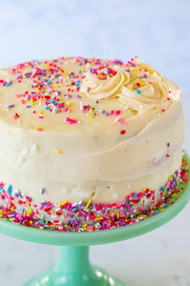 cake on cake plate