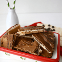 Peanut Butter Chocolate Toffee Bark3