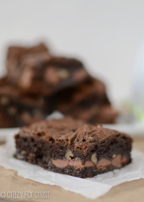 healthier-chocolate-gooey-cake-bars (2 of 6)