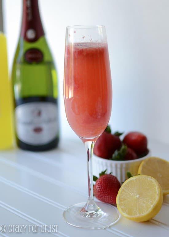 strawberry-lemonade-bellinis (6 of 7)