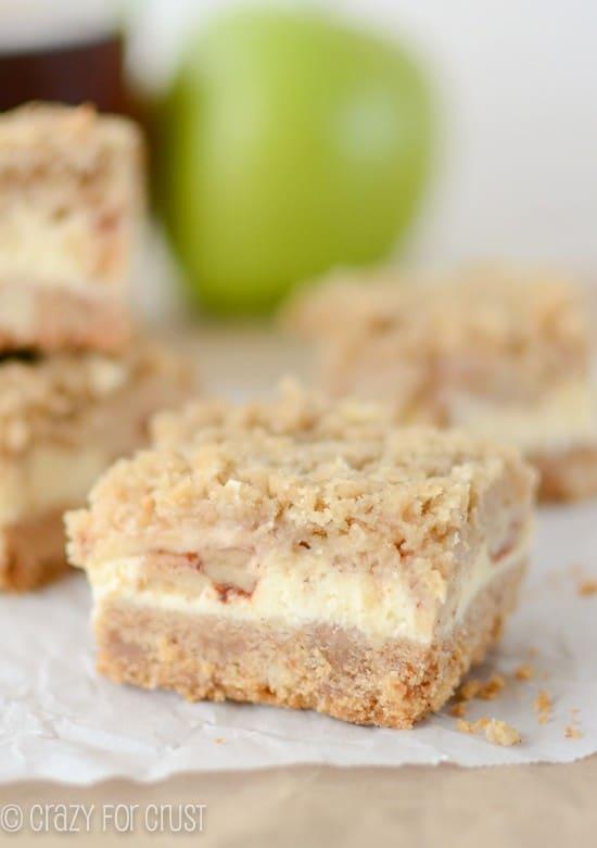 Apple Cheesecake Bars | crazyforcrust.com | #apple #cheesecake