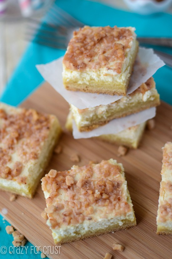 Creme Brulee Cheesecake Bars | crazyforcrust.com | #cheesecake #cookie #chobani