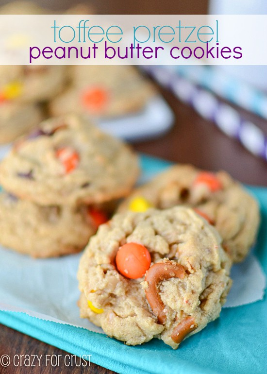 Toffee Pretzel Peanut Butter Cookies | crazyforcrust.com | My favorite combo of flavors! #peanutbutter #cookie