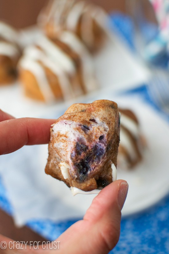 Blueberry Monkey Bread Muffins - made super easy with Pillsbury Grands! | crazyforcrust.com