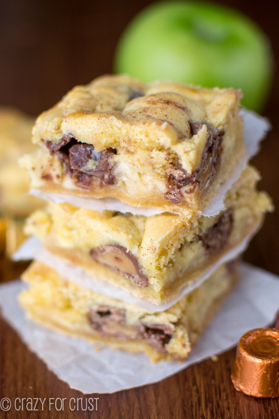 Caramel Apple Gooey Bars