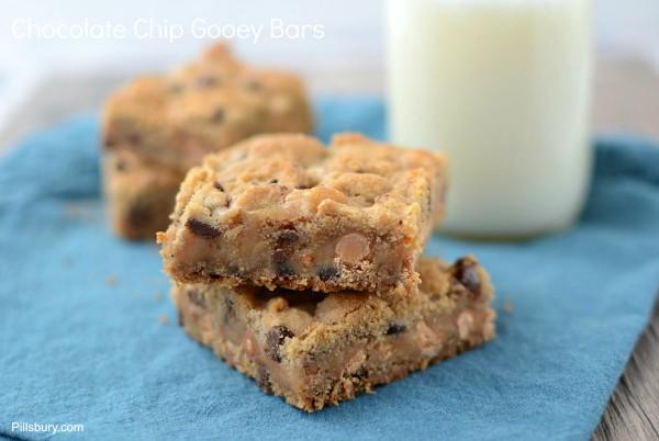 Chocolate Chip Gooey Bars (2 of 4)
