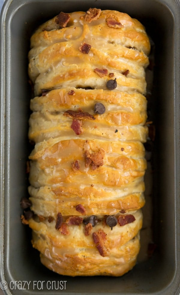 This Chocolate Bacon Pull-Apart Bread is super easy to make - no yeast! The perfect salty and sweet dessert or breakfast!