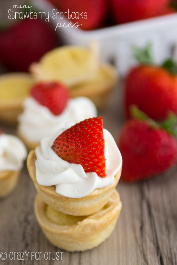 Mini Strawberry Shortcake Pies (3 of 5)w