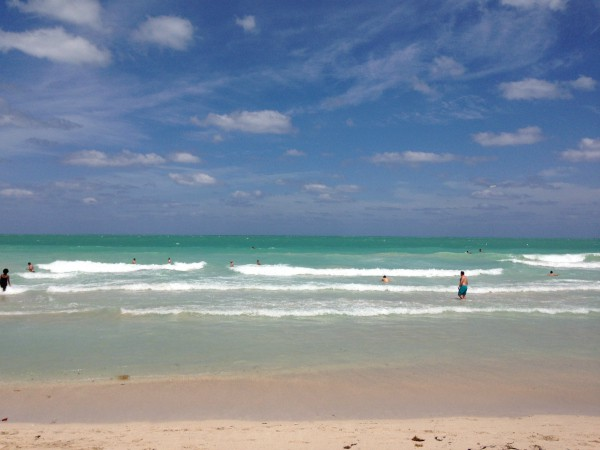 Picture of the ocean in south beach