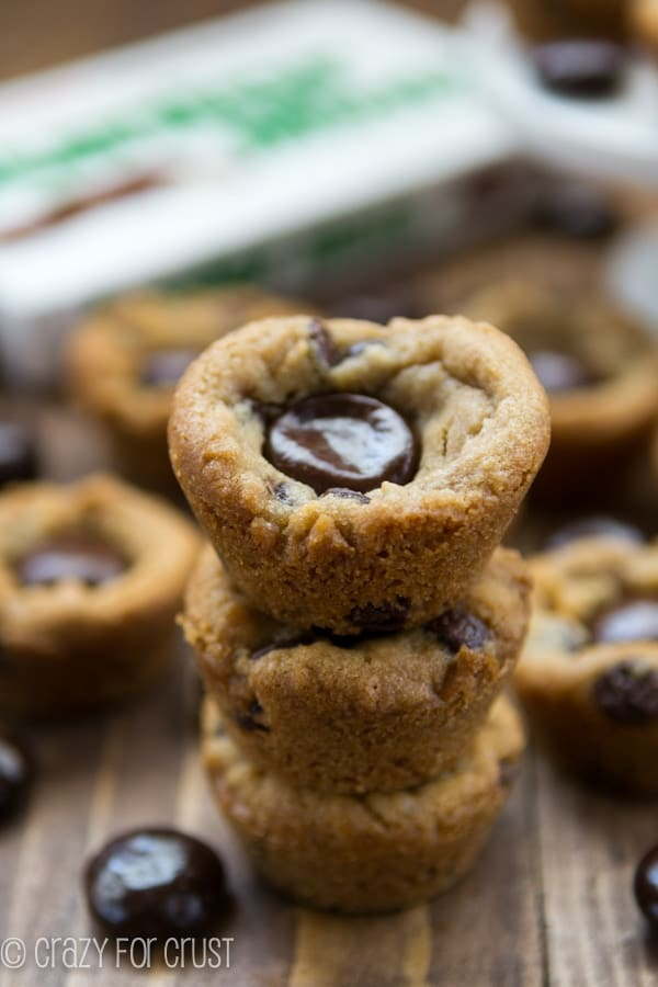 Two-Ingredient Junior Mint Chocolate Chip Cookie Cups