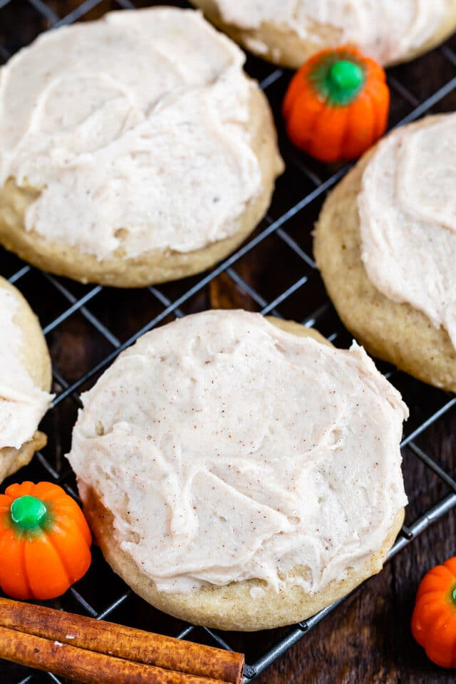 pumpkin spice cookie on rack