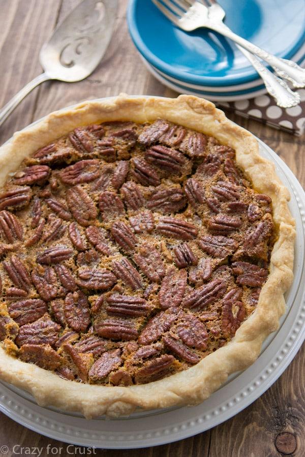 Classic Pecan Pie (5 of 11)