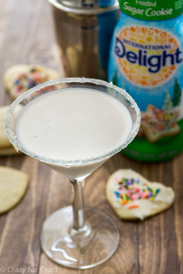 Sugar Cookie Martini using coffee creamer! It's so easy and way too good.