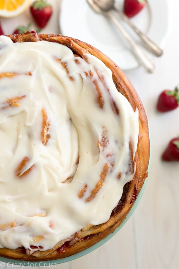 Giant Strawberry Cinnamon Roll Cake (10 of 18)