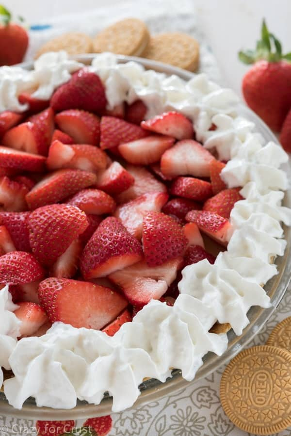 EASY No Bake Strawberry Shortcake Pie