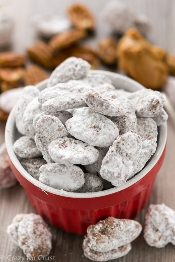 Easy Muddy Buddy Pecans Recipe