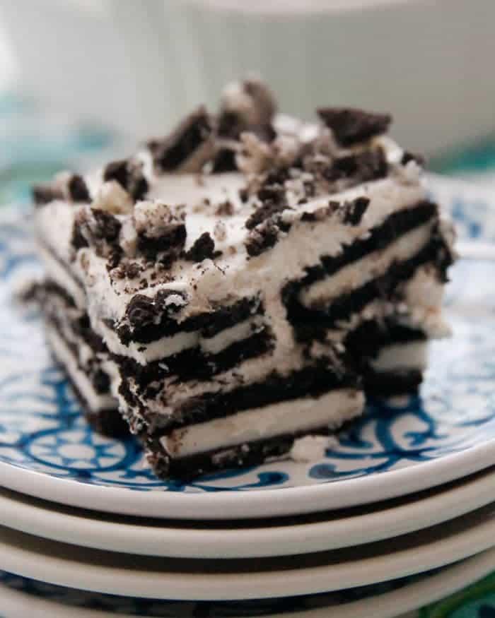 Oreo-Icebox-cake-cut-33c