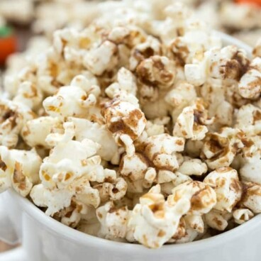 Pumpkin Spice Latte Popcorn in a white bowl