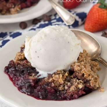 This slow cooker berry crumble is an easy dish that can be made and left to cook.