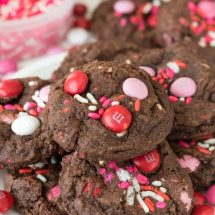 Very Valentine Pudding Cookies are the perfect cookie to give your loved ones on Valentines Day!