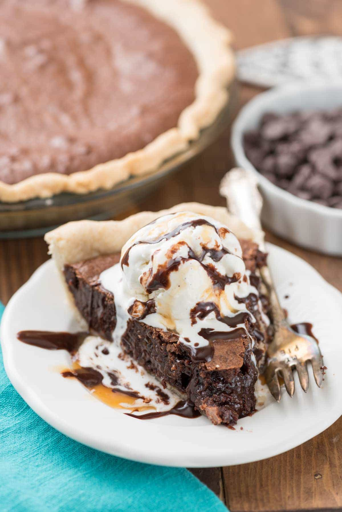 Best Brownie Pie Recipe - we couldn't stop eating this pie!!