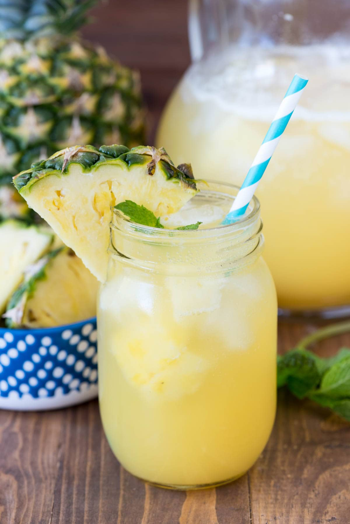Pineapple party punch crazy for crust for Easy alcoholic mixed drinks
