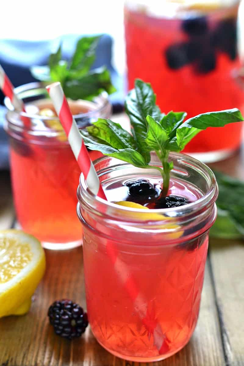 Blackberry-Basil-Vodka-Lemonade-7