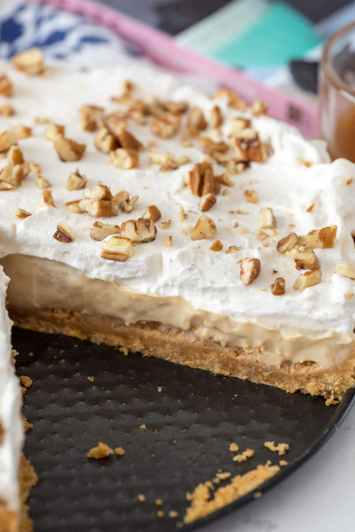 No Bake Butterscotch Pie - this easy from scratch pie is the BEST PUDDING PIE I've ever eaten.