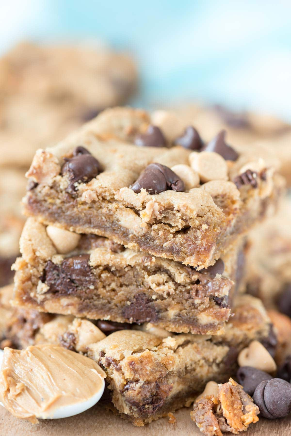 Threat Peanut Butter Cookie Bars - this easy peanut butter cookie ...