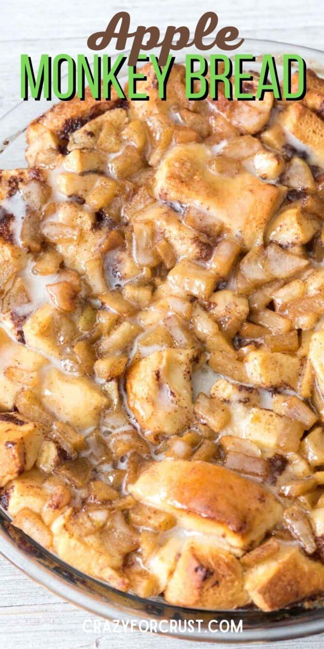 apple cinnamon roll bake in pan