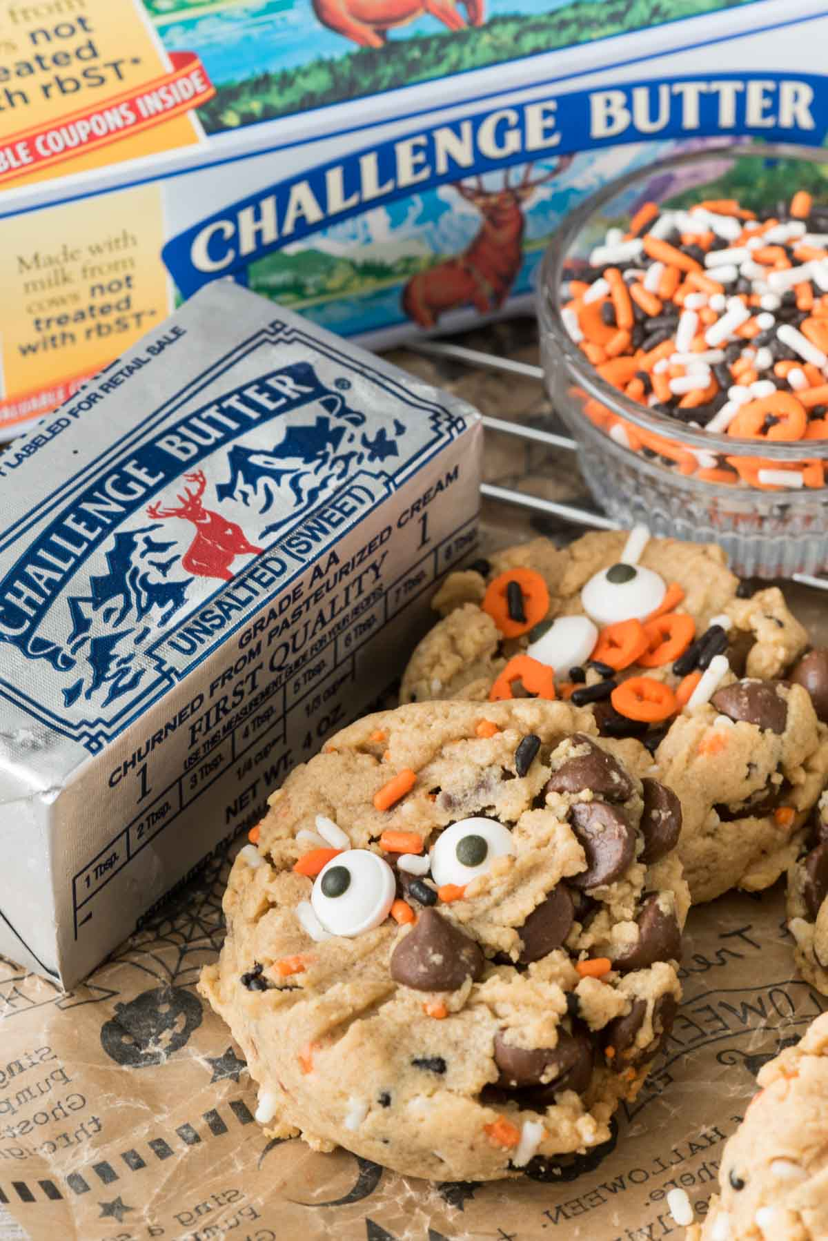 Peanut Butter Pudding Cookie Monsters - this easy pudding cookie recipe is full of peanut butter and chocolate!