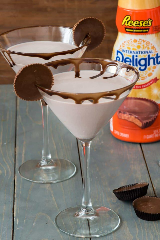 Easy Peanut Butter Cup Martini - just two ingredients and no fuss to your FAVORITE dessert martini ever!! Oh so sweet and chocolate, this is one of the best dessert cocktails I've ever had.