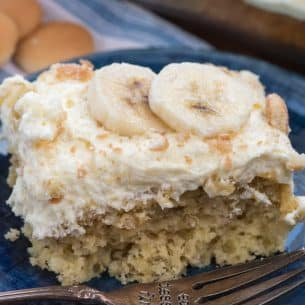 slice of banana pudding cake