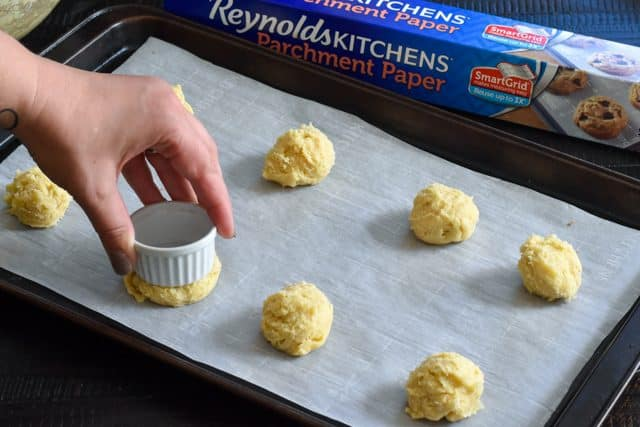 Reynolds parchment paper with smart grid