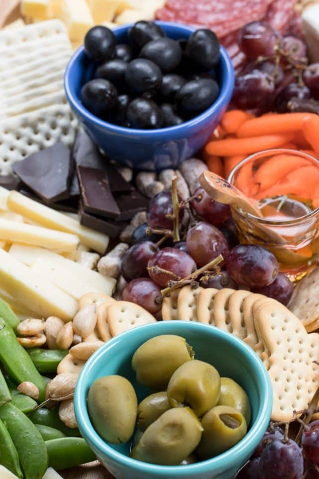how to make a charcuterie tray