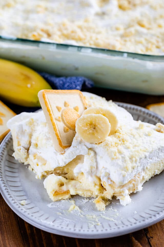 slice of banana pudding recipe on white plate