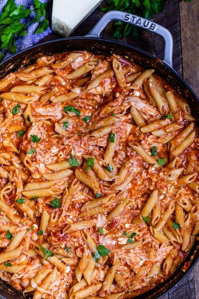 overhead shot of chicken penne pasta