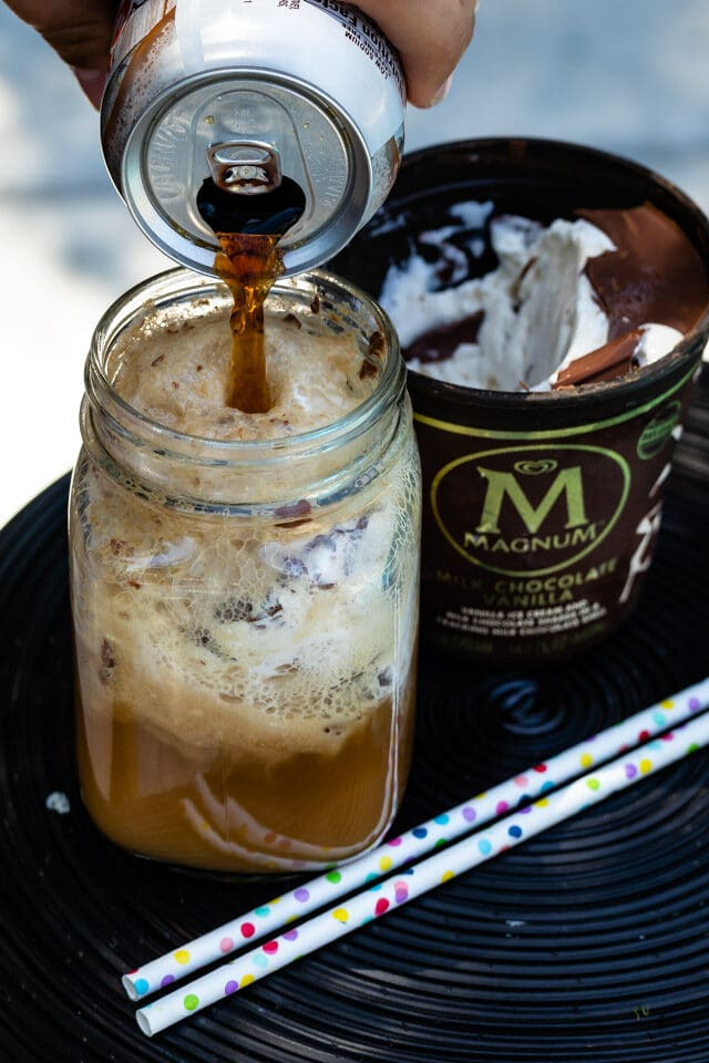 making root beer float with Magnum