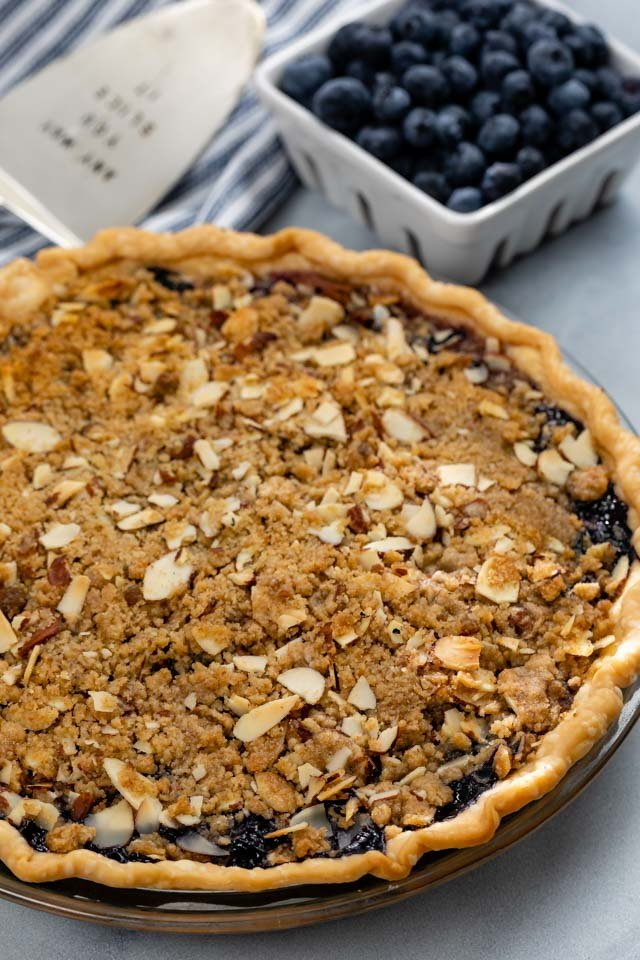 blueberry crumble pie with almonds