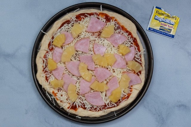 hawaiian pizza with pineapple and bacon