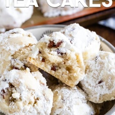 bowl of Russian Tea Cakes