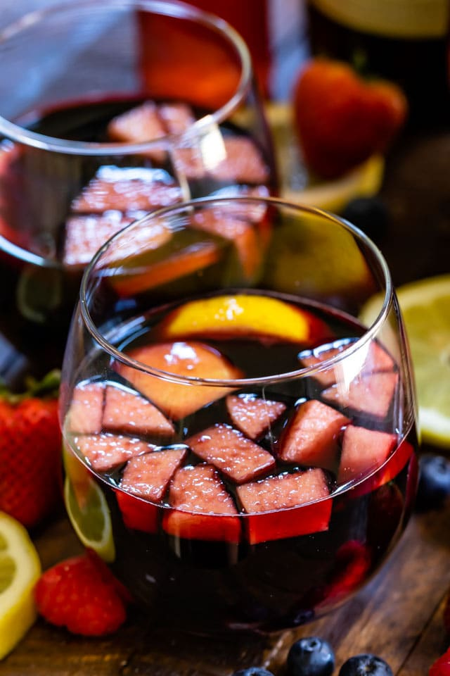 red sangria recipe in glass