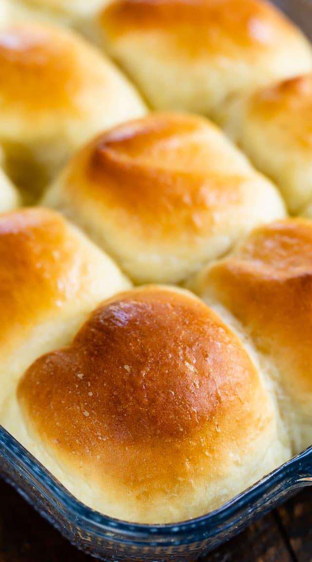 potato rolls in pan