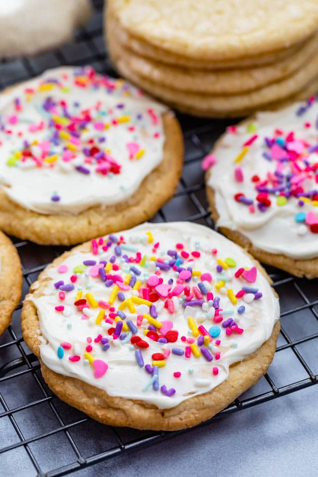 sugar cookie with frosting