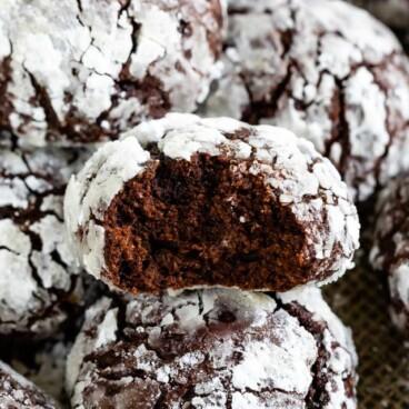 Chocolate crinkle cookie bite