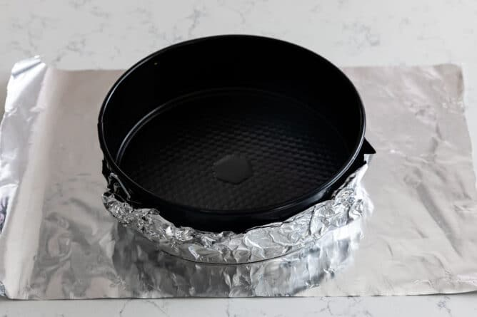 wrapping pan in foil
