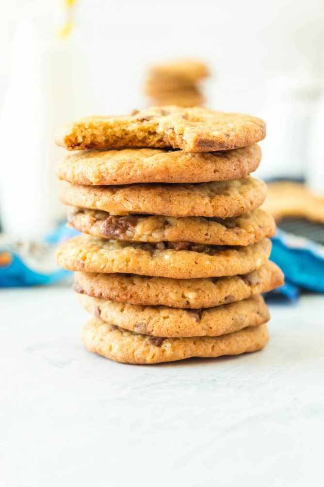 Side view of a stack of almond joy pudding cookies